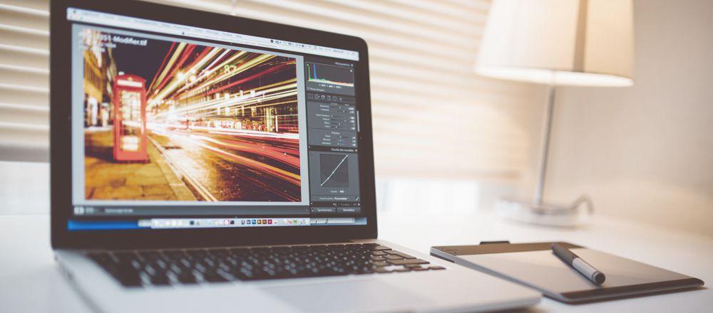 Foto bewerken met software.